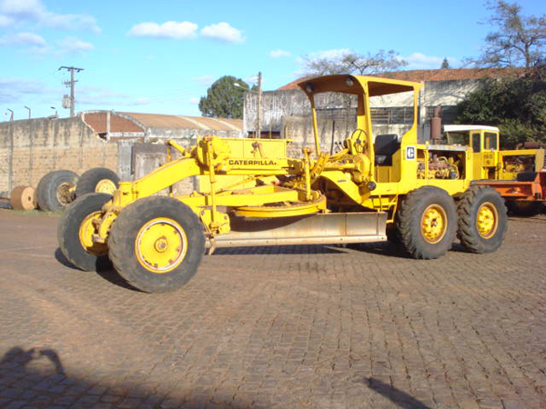 Motoniveladora CATERPILLAR 120B - 14G235
