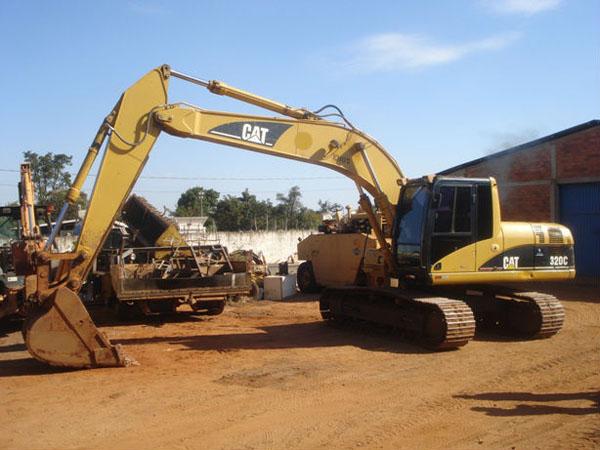 EscavadeiraCATERPILLAR320C - 14I316