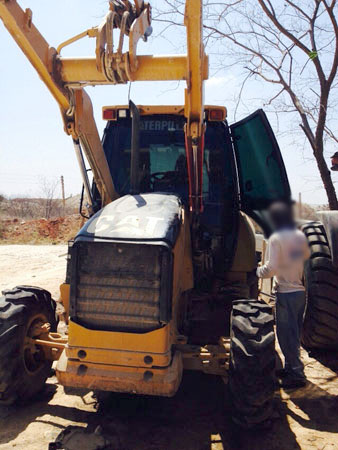 Retro EscavadeiraCATERPILLAR420E - 14J312