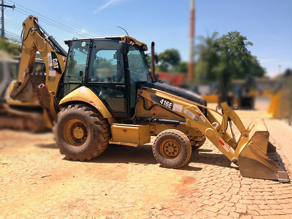 Retro Escavadeira CATERPILLAR 416E - 14K418