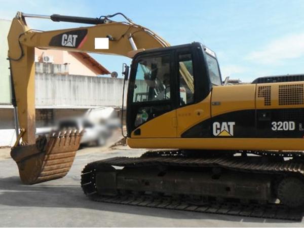 EscavadeiraCATERPILLAR320D - 14L323