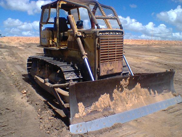 Trator EsteiraKOMATSUD50 - 15A549