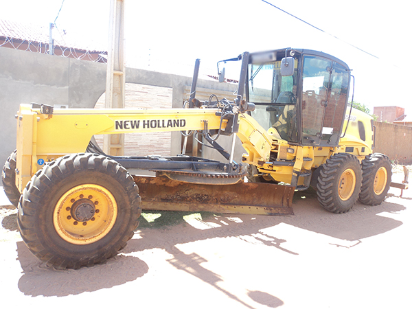 Motoniveladora NEW HOLLAND RG170 - 15C301