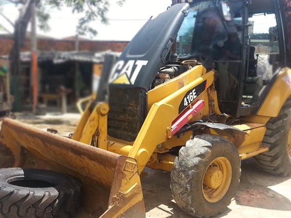 Retro EscavadeiraCATERPILLAR416E - 15D258