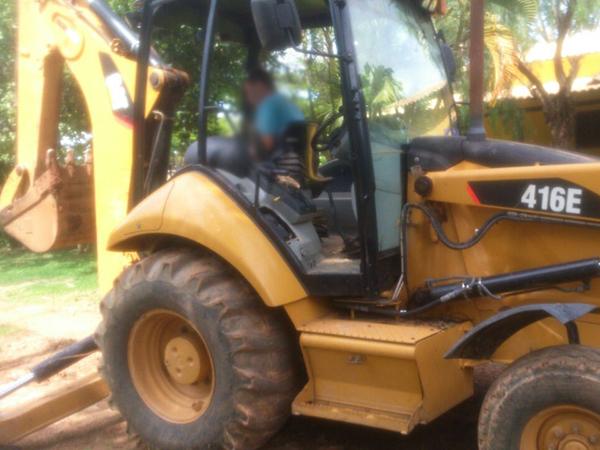 Retro EscavadeiraCATERPILLAR416E - 15D402