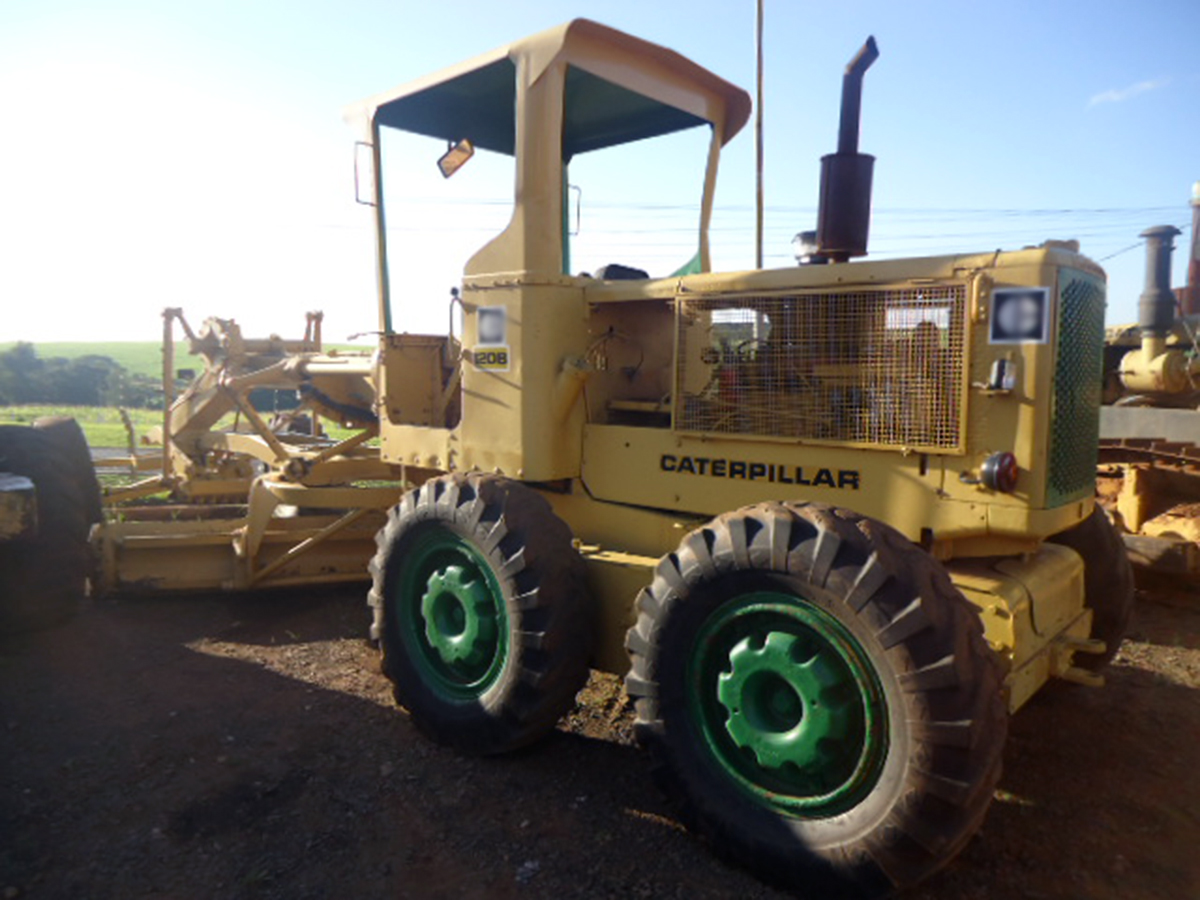 MotoniveladoraCATERPILLAR120B - 15F205
