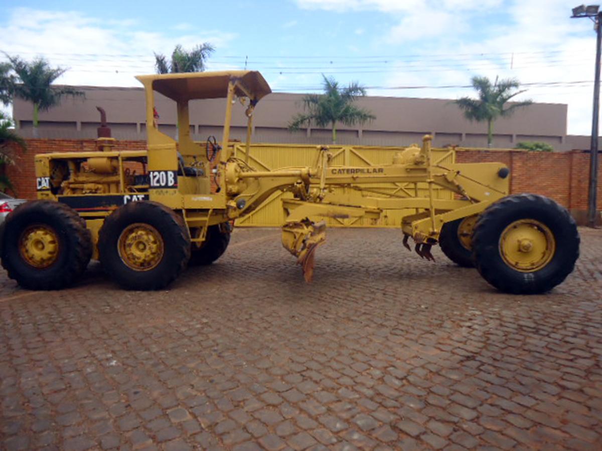 MotoniveladoraCATERPILLAR120B - 15F257