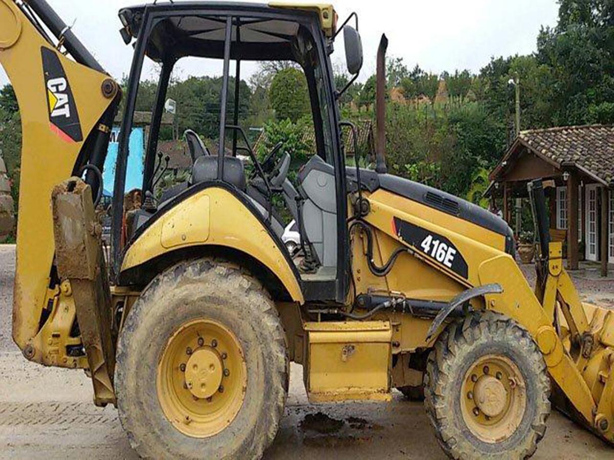Retro EscavadeiraCATERPILLAR416E - 15F328