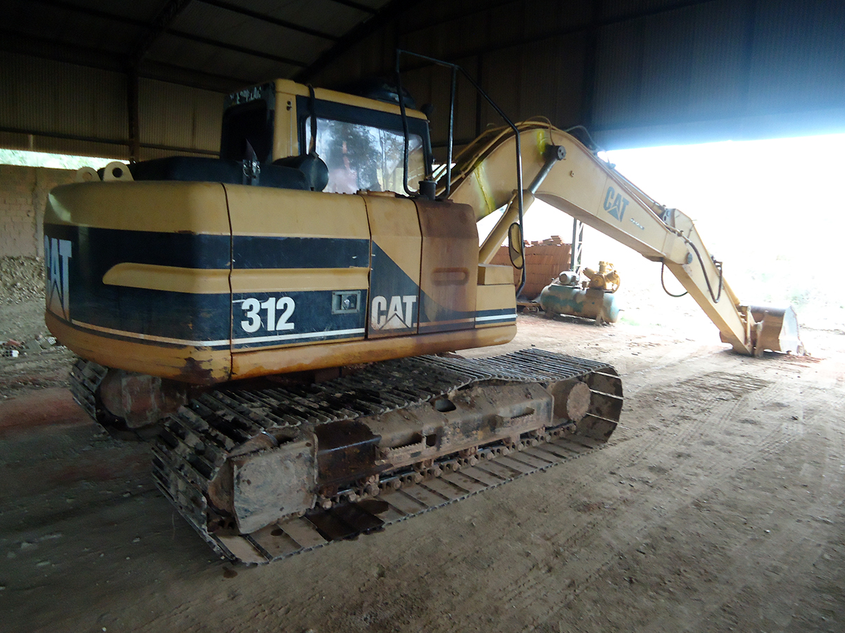 Escavadeira CATERPILLAR 312B - 15G109