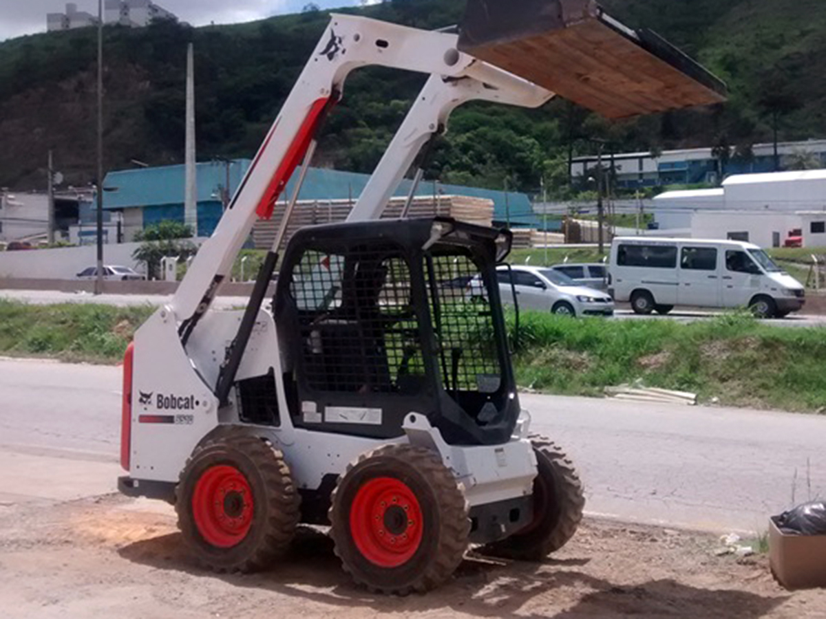 Mini CarregadeiraBOB CATS510 - 15G120