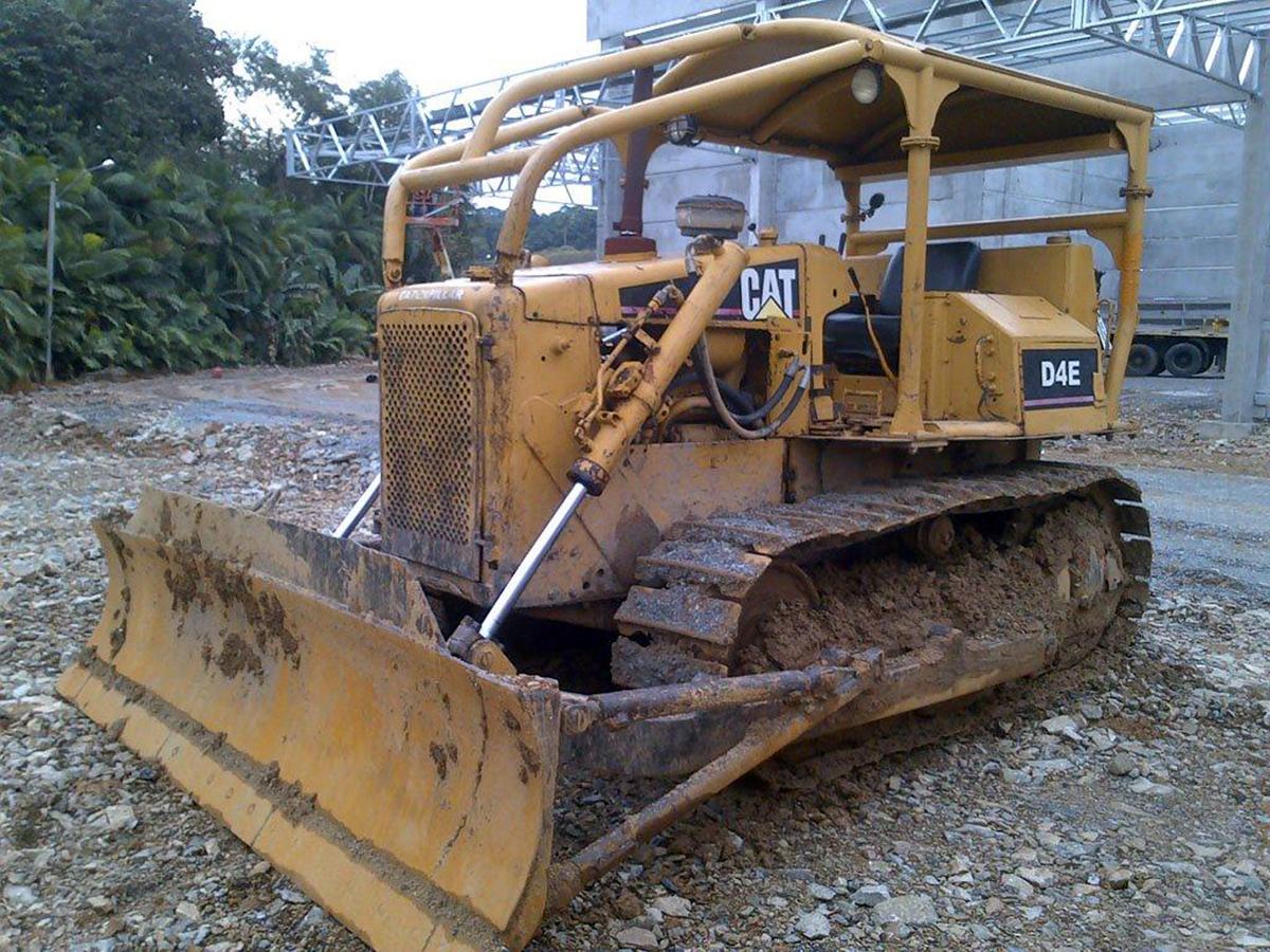 Trator EsteiraCATERPILLARD4EDD - 15G422