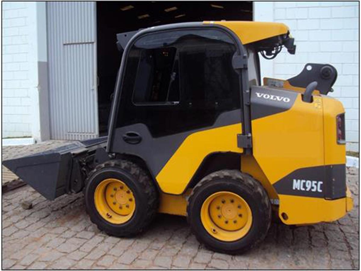 Mini CarregadeiraVOLVOMC95 - 15G431