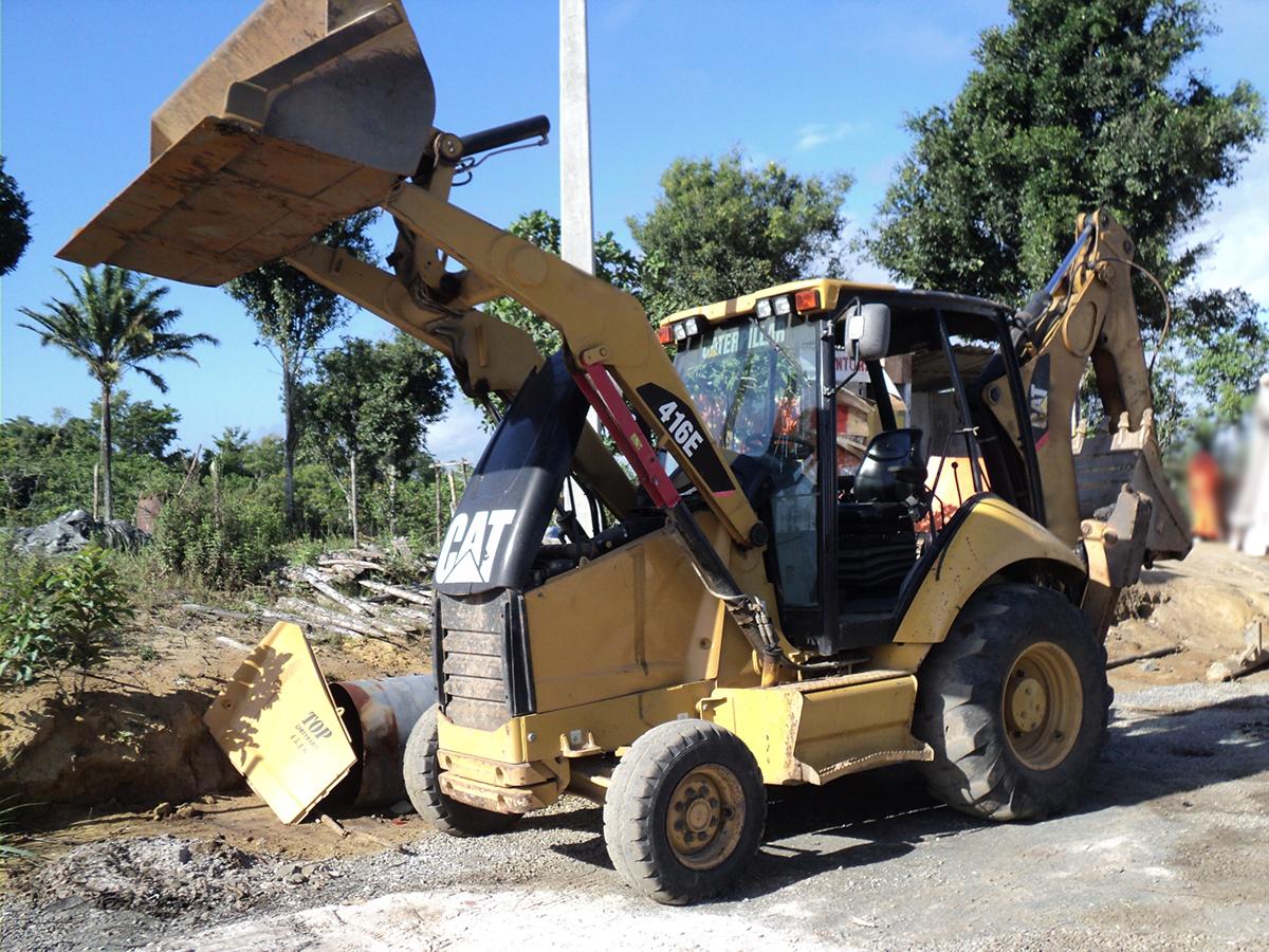 Retro EscavadeiraCATERPILLAR416E - 15G514