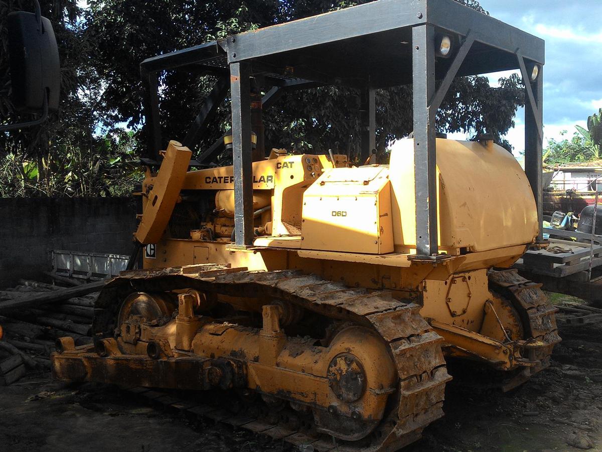 Trator EsteiraCATERPILLARD6DDD - 15H239