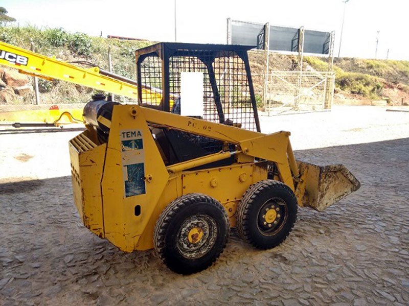 Mini Carregadeira BOB CAT 711 - 15H252