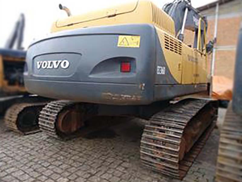 EscavadeiraVOLVOEC360 - 15J434