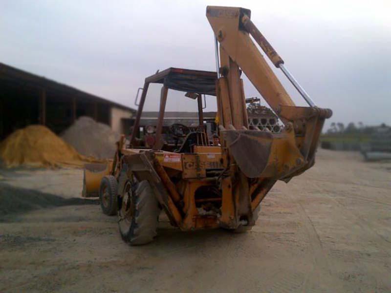 Retro EscavadeiraCASE580H - 15J447