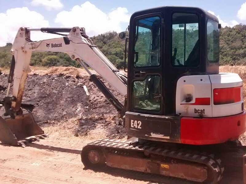 Mini EscavadeiraBOB CATE42 - 15L234