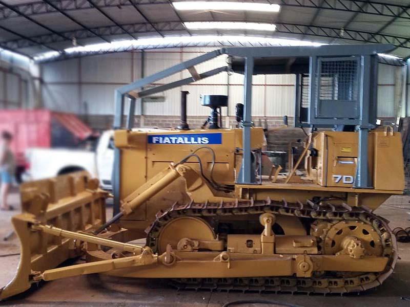 Trator EsteiraFIAT7D - 15L305