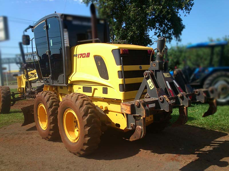 Motoniveladora NEW HOLLAND RG170 - 15L404