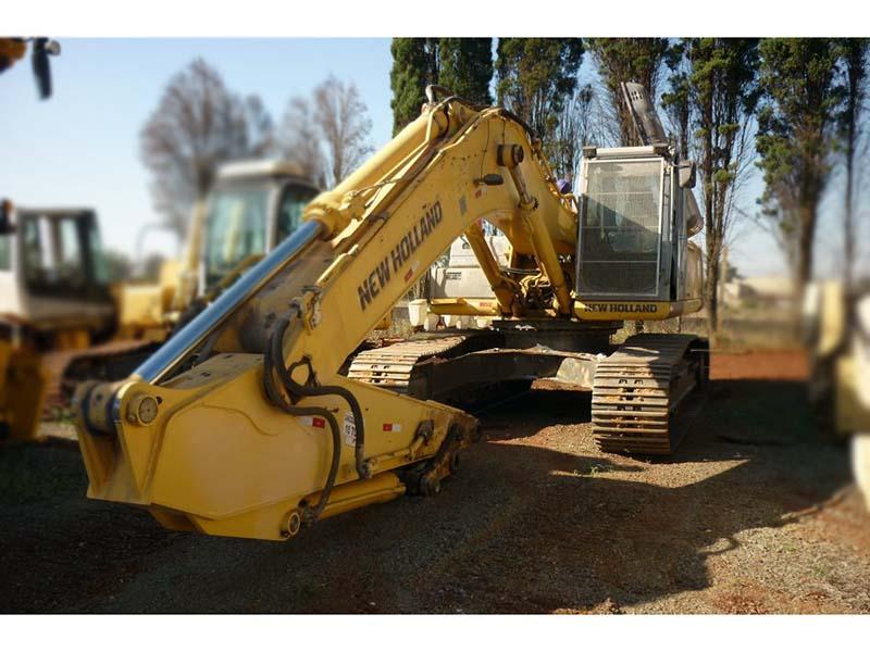 EscavadeiraNEW HOLLANDE385 - 15L405