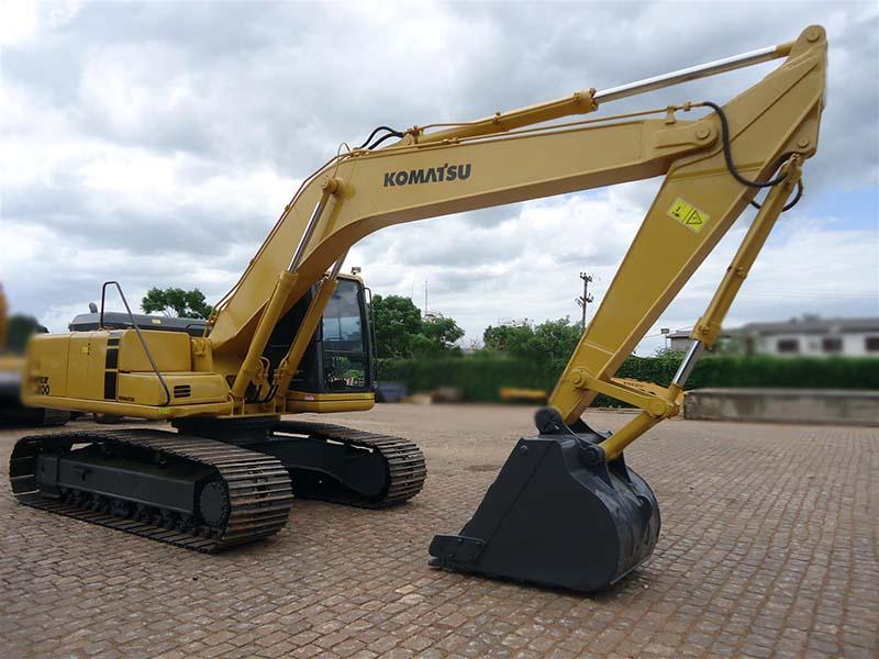 EscavadeiraKOMATSUPC200 - 16A439