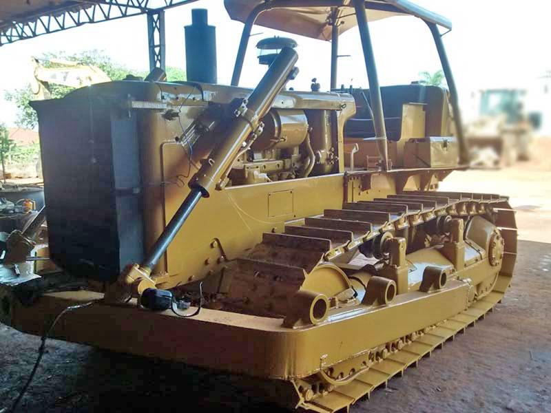 Trator EsteiraCATERPILLARD6CDD - 16D330