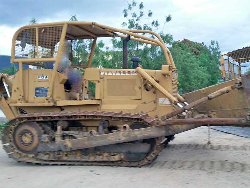 Trator EsteiraFIATFD9 - 16D407