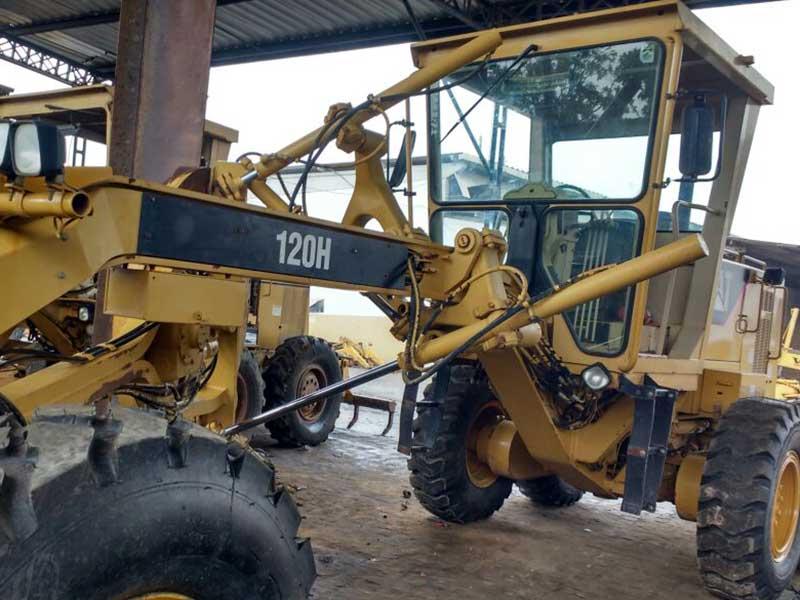 MotoniveladoraCATERPILLAR120H - 16E429