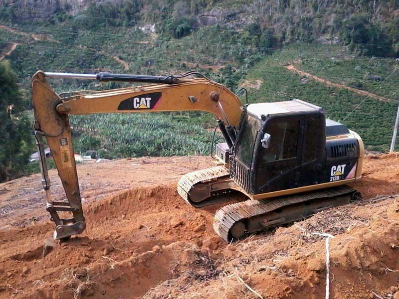 EscavadeiraCATERPILLAR312D - 16F530