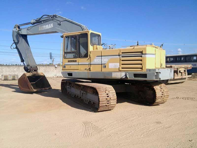 EscavadeiraAKERMAN EC300 - 16G325