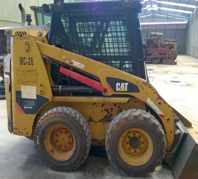 Mini Carregadeira CATERPILLAR 226B - 16G428