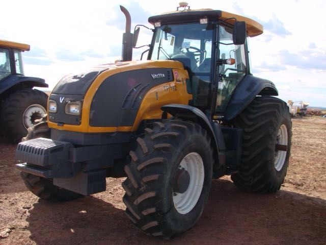 Trator PneuVALTRA BT210 - 16H216
