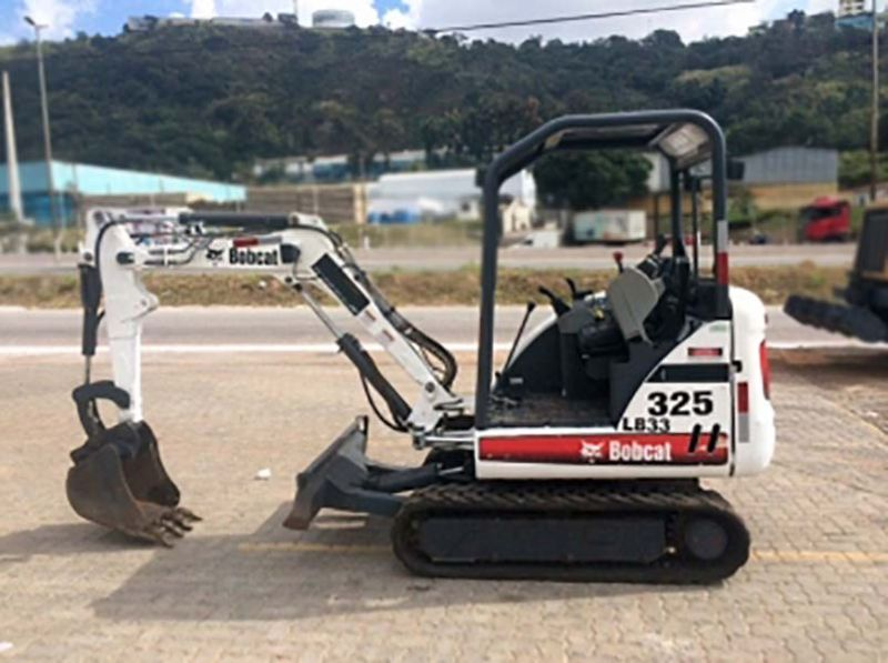 Mini Escavadeira BOB CAT 325 - 16H246