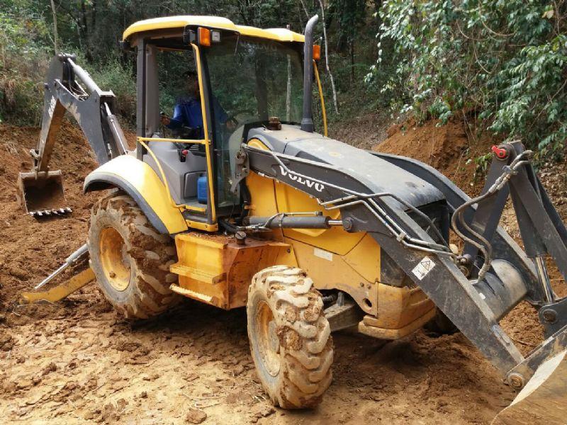 Retro EscavadeiraVOLVOBL60 - 16I211