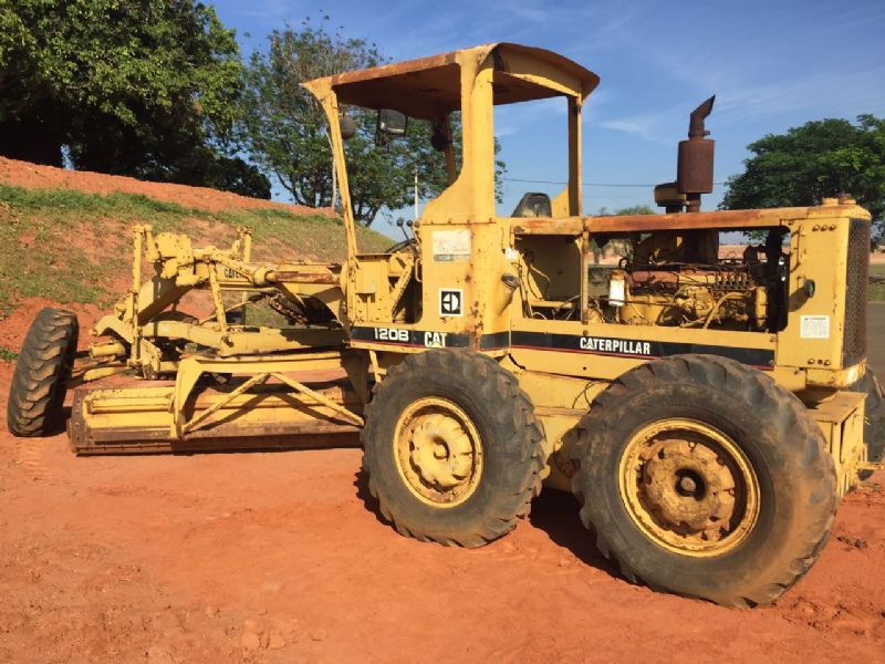 Motoniveladora CATERPILLAR 120B - 16I506