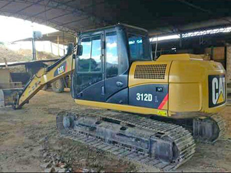 EscavadeiraCATERPILLAR312D - 16J211