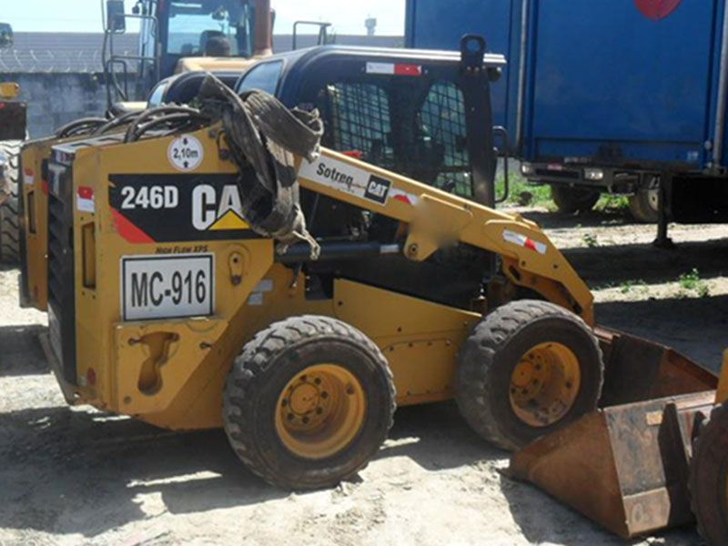 Mini Carregadeira CATERPILLAR 246D - 16K117
