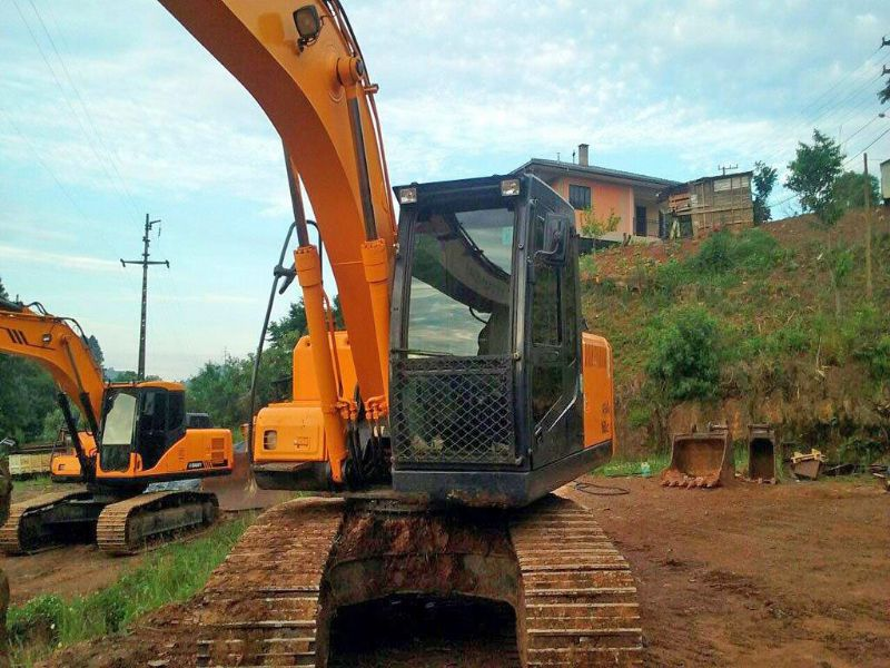 EscavadeiraHYUNDAIR160 - 16L206