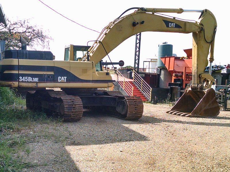 Escavadeira CATERPILLAR 345B - 16L511