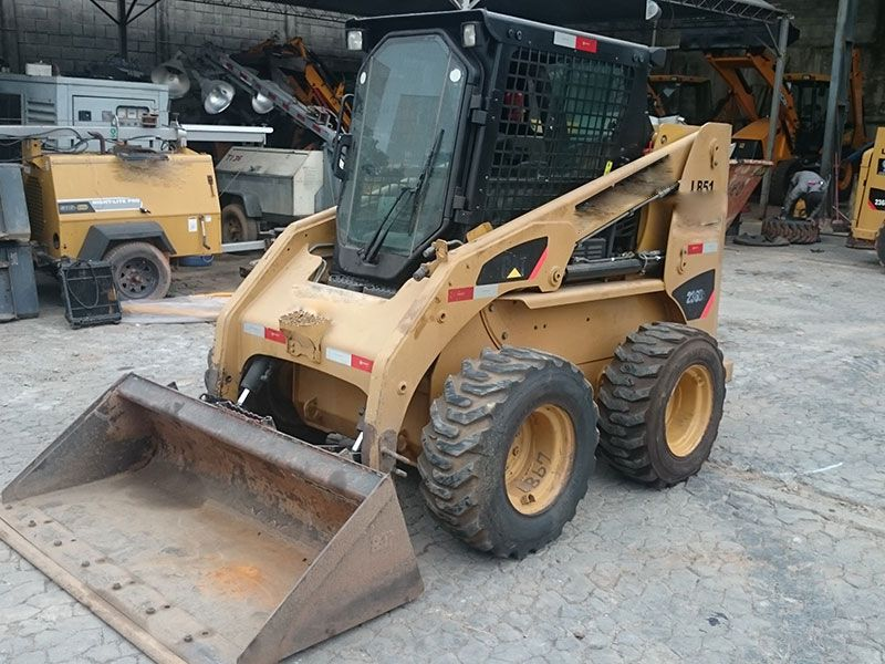 Mini Carregadeira CATERPILLAR 236B - 16L514