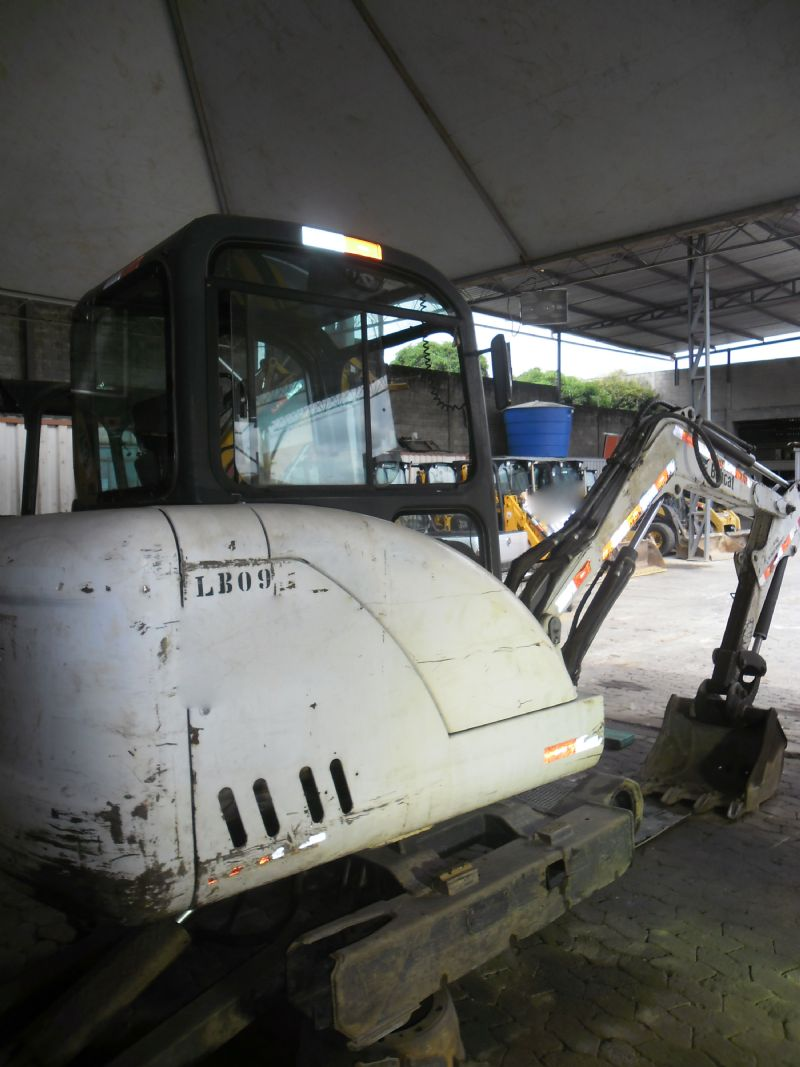 Mini Escavadeira BOB CAT 331 - 16L517