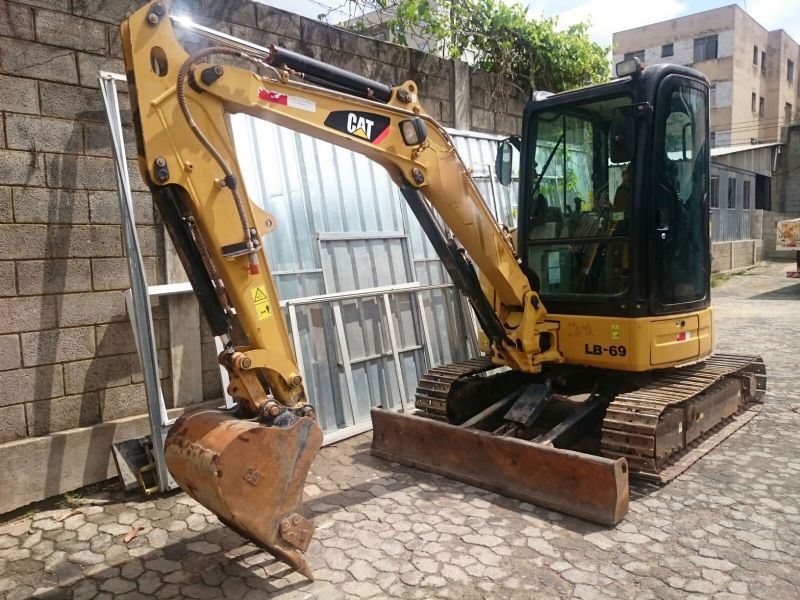 Mini Escavadeira CATERPILLAR 303 - 16L520