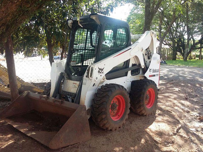 Mini CarregadeiraBOB CATS650 - 17C127