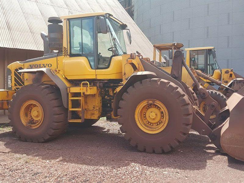 Carregadeira PneuVOLVOL120 - 17C413