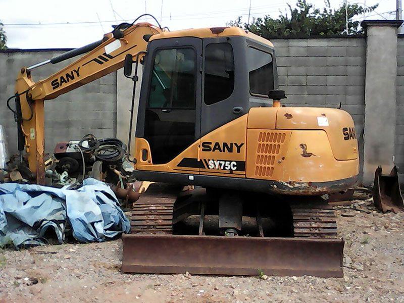Mini EscavadeiraSANYSY75C - 17D314