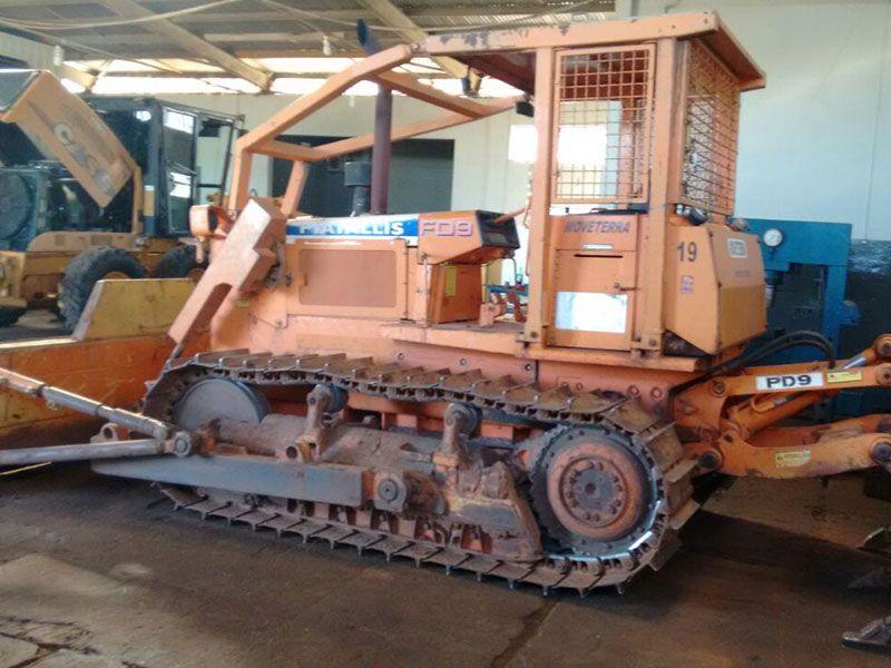 Trator EsteiraFIATFD9 - 17D318