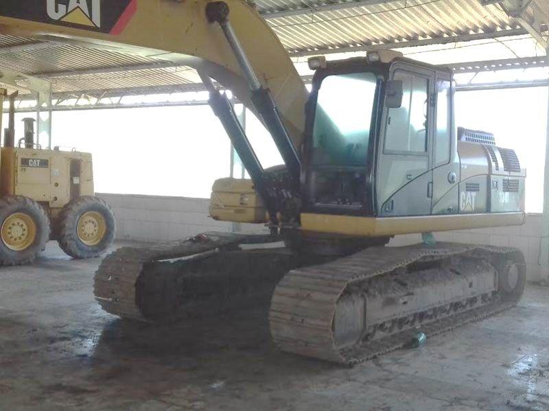EscavadeiraCATERPILLAR324D - 17F114
