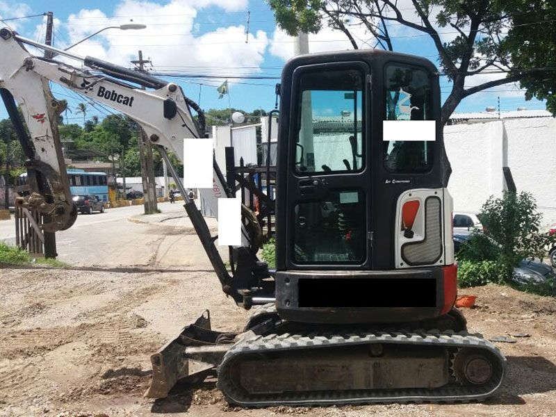 Mini Escavadeira BOB CAT E26 - 17F303