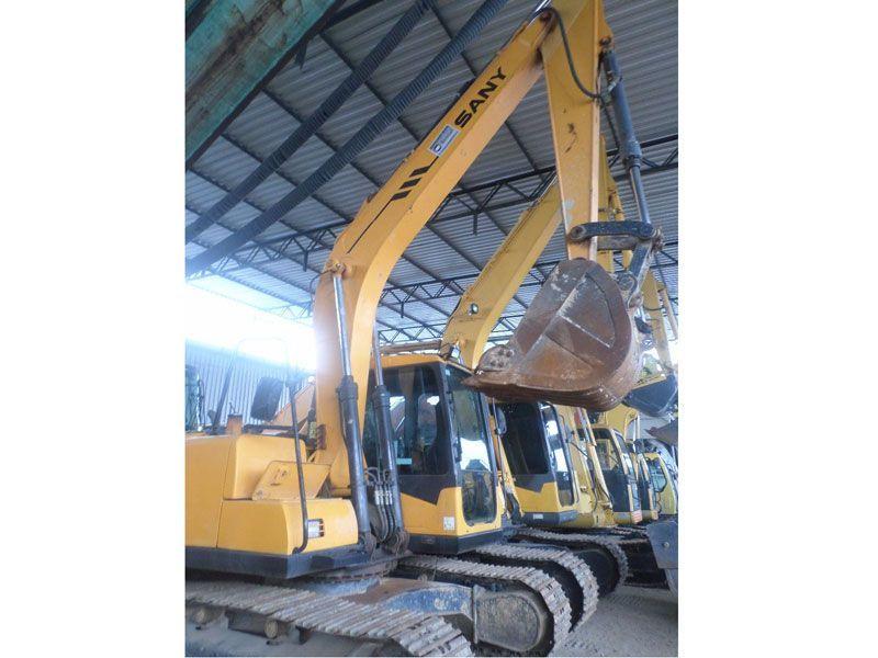 EscavadeiraSANYSY135 - 17F561